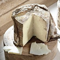 Cave Aged Goats Cheese secures Super Gold at the World Cheese Awards